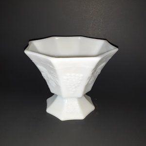 COPY - VTG Milk Glass Centerpiece Bowl Pedestal C…